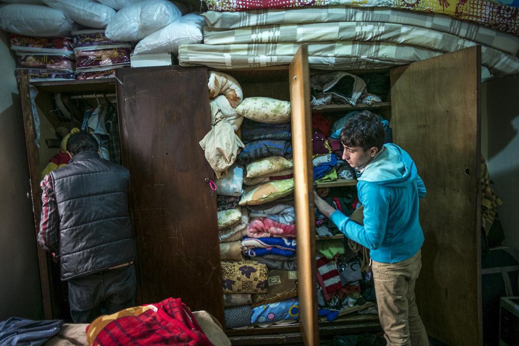 LIBAN BEYROUTH PORTRAIT DE FAMILLE REFUGIES SYRIENS