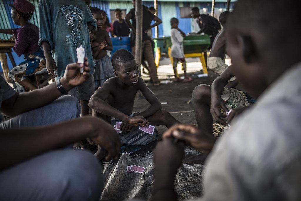 BENIN COTONOU TERRES ROUGES MDM ENFANTS DES RUES
