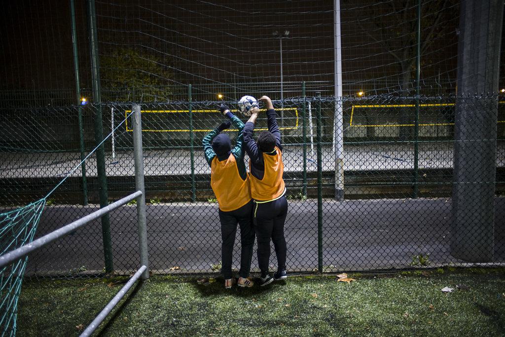 FRANCE PARIS FOOTBALL FEMININ LES DEGOMMEUSES