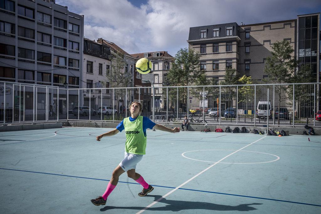 BELGIQUE BRUXELLES FOOTBALL FEMININ